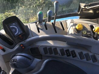 Tracteur agricole New Holland T6010 . - 7